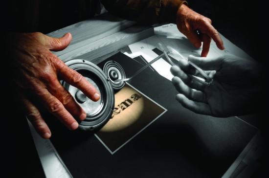 Le mani di Serblin nella realizzazione del suo ultimo progetto