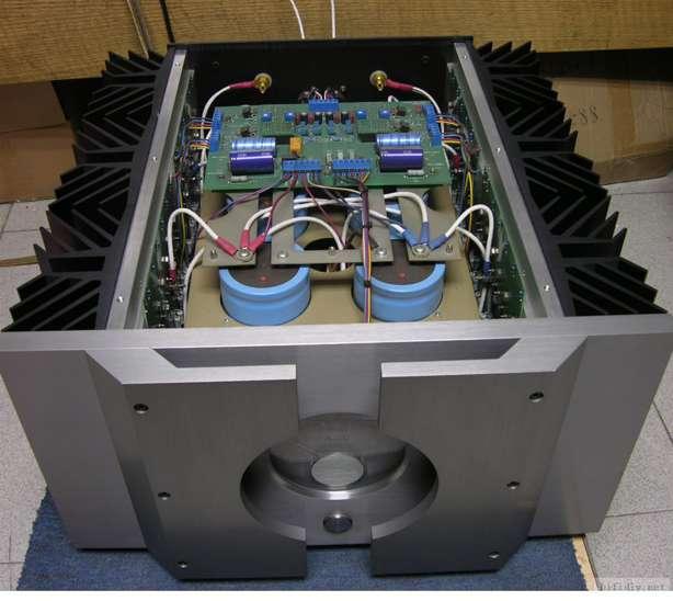 Pass Labs X350 inside 1