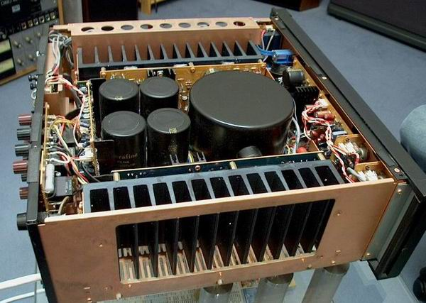 Field Between The Plates Of A Parallel Plate Capacitor Using Gausss Law further Ceramic capacitor also 177992 moreover Super Capacitor together with How To Battery Powered Temperature And Humidity Sensors. on large capacitor