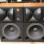 JBL 4425 studio monitor