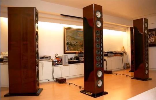 sistema Very Expensive Hi-Fi