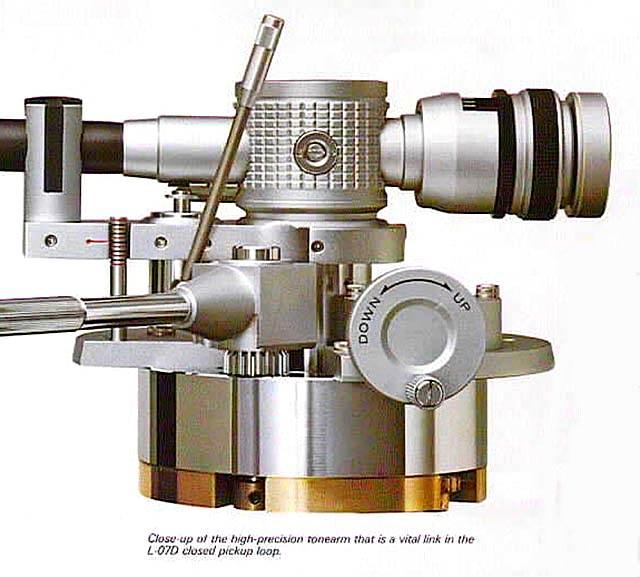 Kenwood L-07D tonearm