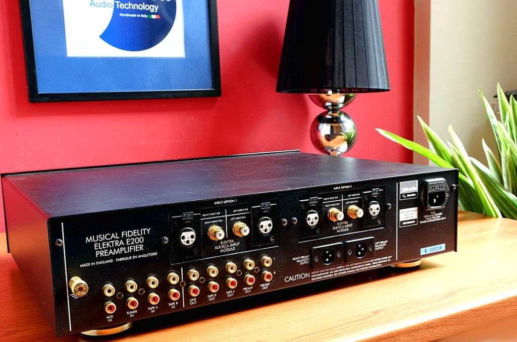 Musical Fidelity E200 pre 5 1200pix