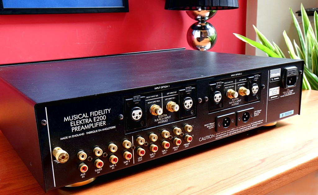 Musical Fidelity E200 pre 6 1200pix