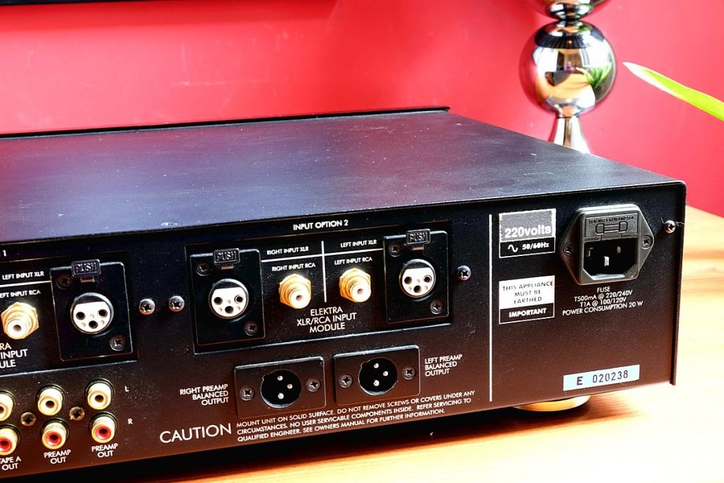 Musical Fidelity E200 pre 7 1200pix